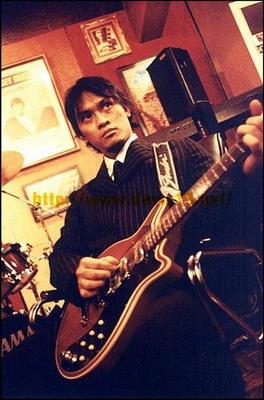 Biografi Andra Junaedi (gitaris band dewa ...